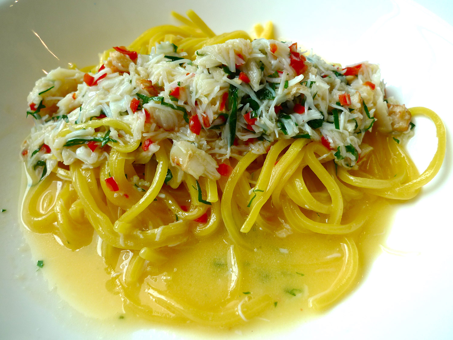 Crab, Chilli, Garlic and Parsley Linguini © Neil Hennessy-Vass