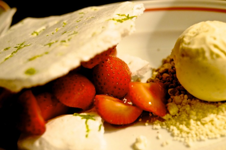 Strawberry Merengue with Vanilla Ice Cream