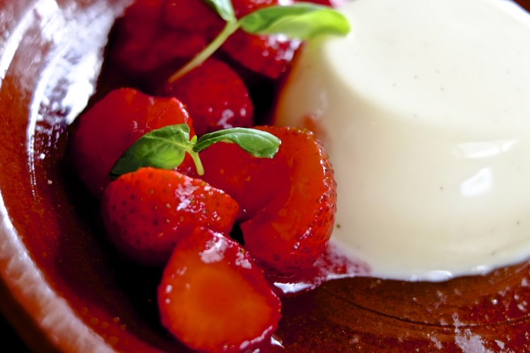 Vanilla Pannacotta with Strawberries