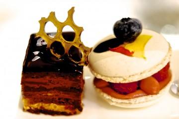 Cakes: Macaroons