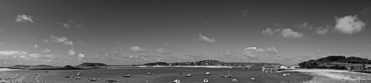 B/W Harbour with boats