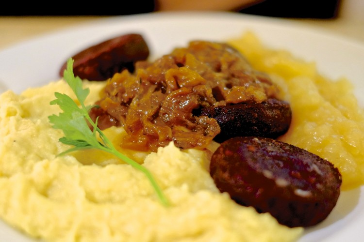Black Sausages & Mash