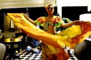 Girl dancing Sega