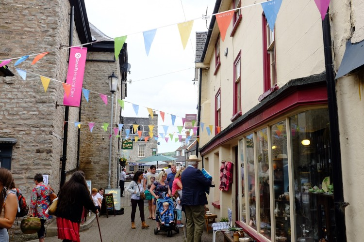 Bunting in Street