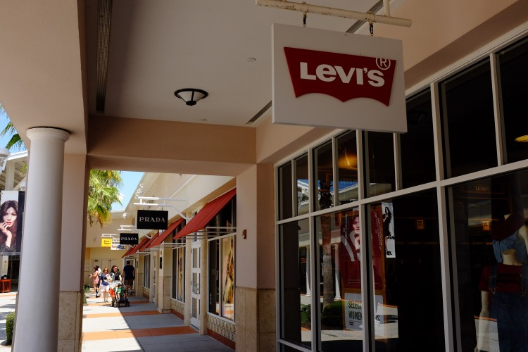Shoping Mall (Levi's Sign)
