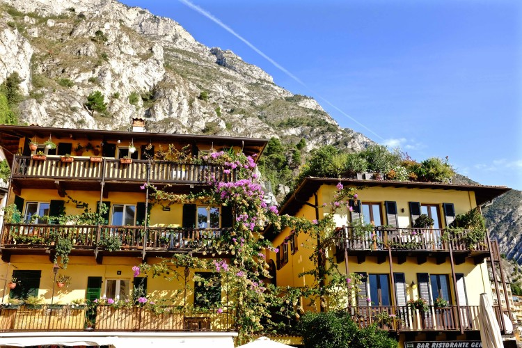 Houses in Limone